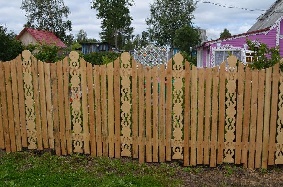 Забор из штакетника деревянного фото своими руками 3