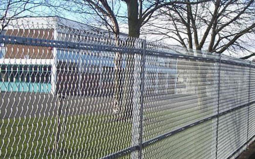 секционные заборы из сетки рабицы фото